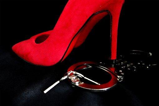 Rencontres BDSM pour les nouveaux soumis à la recherche d'une maîtresse et d'une dominatrice.